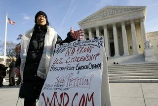 Anti%20Obama%20protester%20at%20Scotus%20small-thumb-425x284