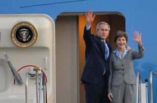 800pxlaura_and_george_bush