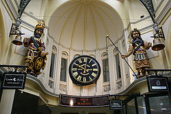 250px-Gog&Magog-1,-Royal-Arcade,-Melb,-11.08.2008